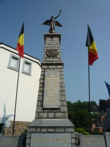 La Roche Memorial next to the bridge