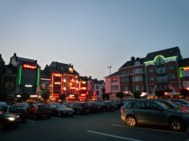 Bastogne central square at night