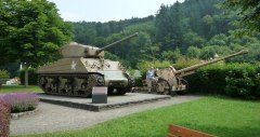 Tank and PAK 88 at Clervaux Castle